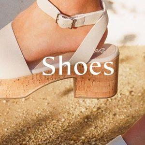 Shoes - ⬇️Women's Shoes ⬇️